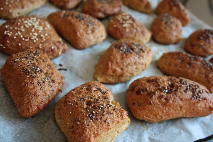 Gluten free breakfast buns break  Glutenfri fiber morgen boller med frø og kerner