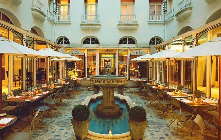 Hotel California - France - Paris