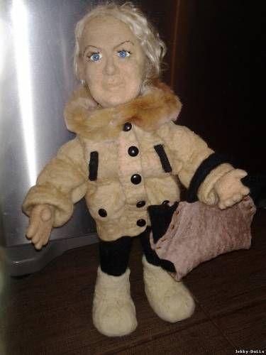 Портретная кукла из шерсти Таня