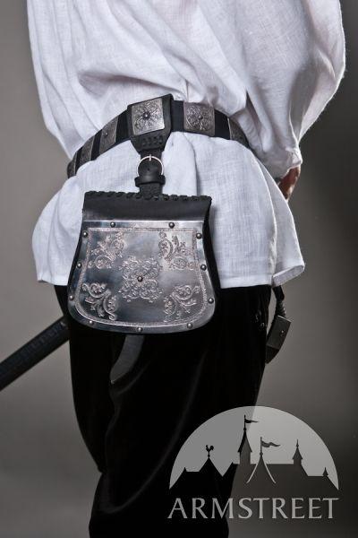 L'ensemble : sac de guerre, ceinture et porte-épée par ArmStreet