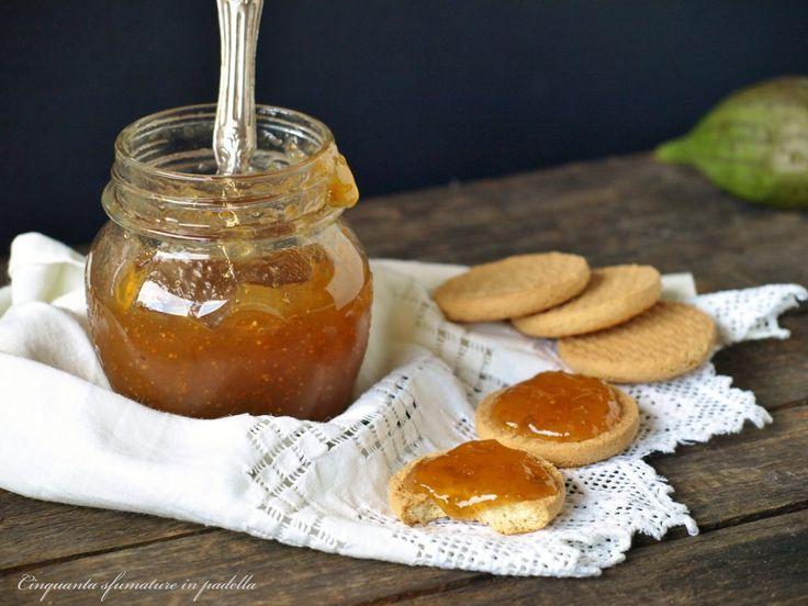 La marmellata di fichi e cannella è una confettura molto amata e fatta in casa è ancora più buona! Semplice da preparare e si presta a moltissime ricette!
