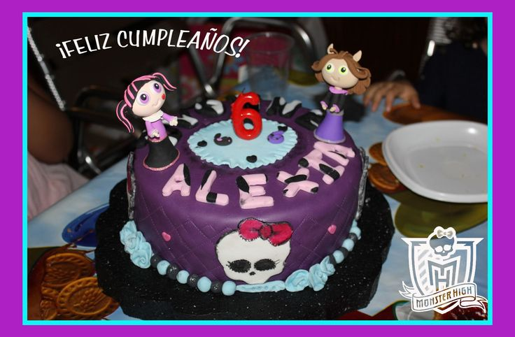 Tarta de cumpleaños Powerpuff Girls versión Monster High♥ hechas con arcilla de Think and Enjoy Biscocho y Decoración por Mis Dulces Creaciones Silvia.  Una fusión increíble!