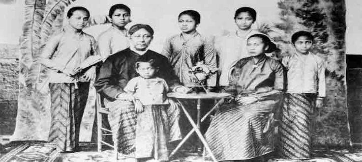 Mitos Ibu Kartini dan Rekayasa Sejarah