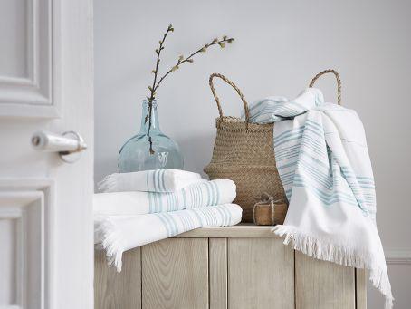 Linge de bain hammam Blanc Cerise - fouta blanc et bleu