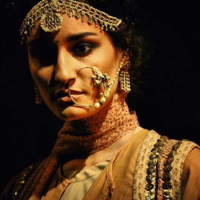 Stunning Jewellery from his PCJ Delhi Couture Week show 2013. I feel the oversized naath is a must this coming year