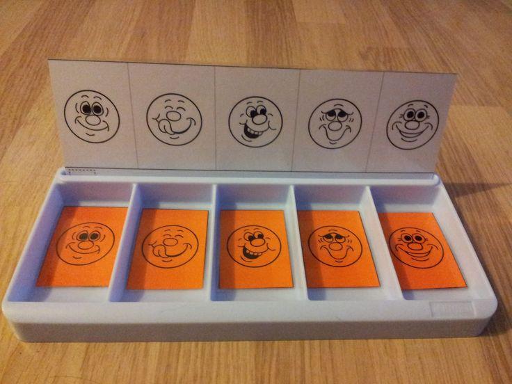 Voici 4 séries de fiches pour travailler l'attention visuelle avec les boîtes à compter de chez   Nathan.   Elles sont plutôt destinées à...