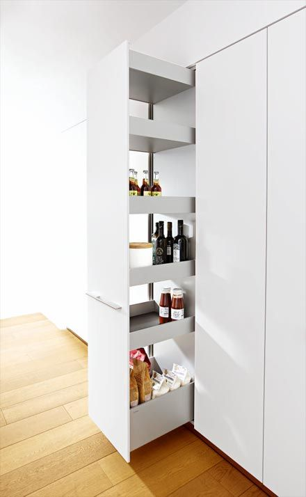 bulthaup b3 tall larder unit pull-out with G2 bar aluminium handle.