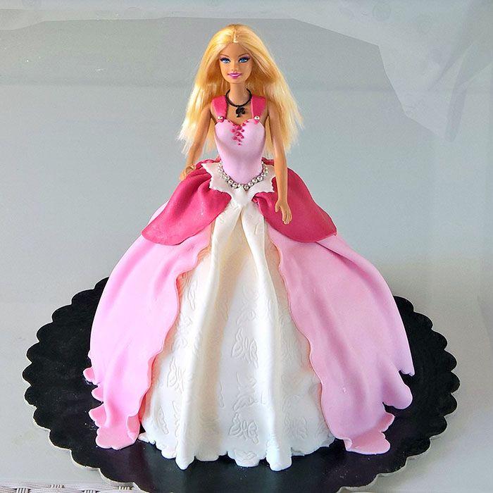 Barbie cake... pink girl!  http://www.marypopcake.it/cakedesign-bimbi/