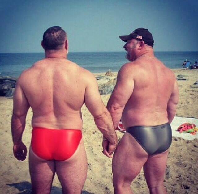 foto gay pelosi iniezioni fetish