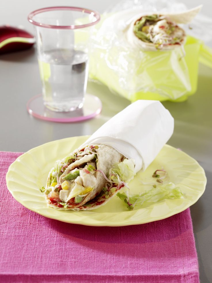 Wrap mit Geflügelsalat - smarter - Kalorien: 290 Kcal - Zeit: 15 Min. | eatsmarter.de