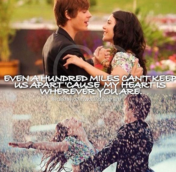 High School Musical 3 : romance dancing in the rain.....