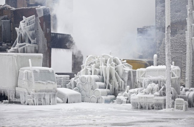 Photographs of Chicago warehouse fire encased in ice