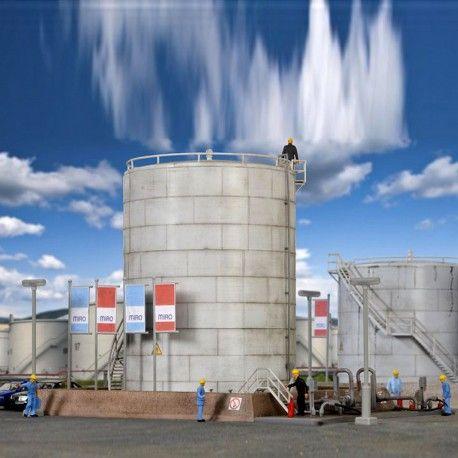 Dépôt pétrolier #HO #Kibri A retrouver ici : http://www.latelierdutrain.com/les-entrepots-et-industries/100903-depot-petrolier-ho-187-kibri.html