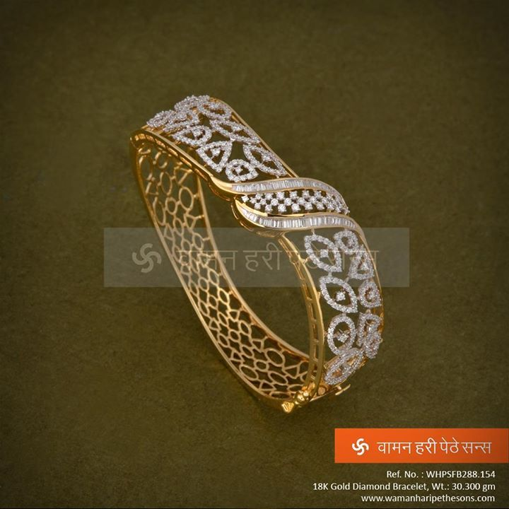 #Traditionally carved #Gold #Diamond #Bracelet for a perfect occasion.