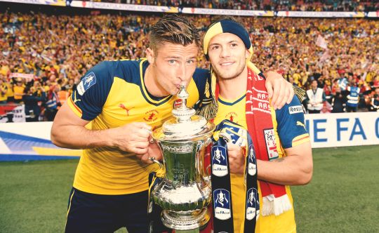 Olivier Giroud and Jack Wilshere with the FA Cup 2015