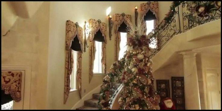 Christmas at Donna Moss' house (love the contrast of the black shades vs. draperies)