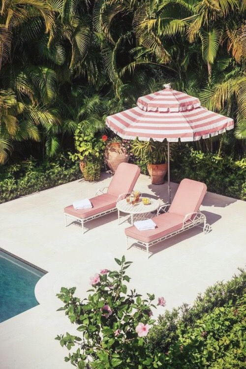 Ciiiii perfect pink umbrella and sun chairs