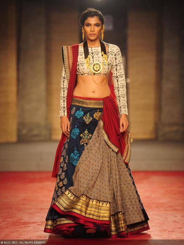 Anju Modi lengha. Delhi Couture Week 2013