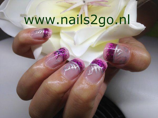 Confession acryl met paars glitter acryl en Sollid Lac Silver silver met roze en paarse verf