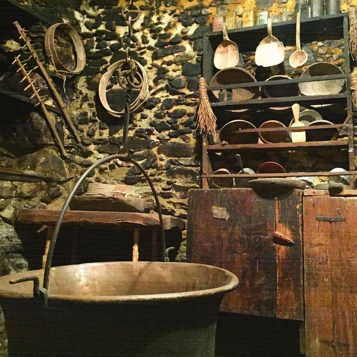 Tra storia e tradizioni rurali in #Valgerola #inlombardia365 la scoperta della #Valtellina è anche questo. Nel cuore di Gerola Alta scopriamo le meraviglie dell'ecomuseo tra i mestieri antichi e l'orgoglio locale per la produzione del Bitto Storico. Ve ne parlo oggi sul blog [link al post --> http://ift.tt/1LLH6Iz ]  @in_lombardia @valtellinaofficial