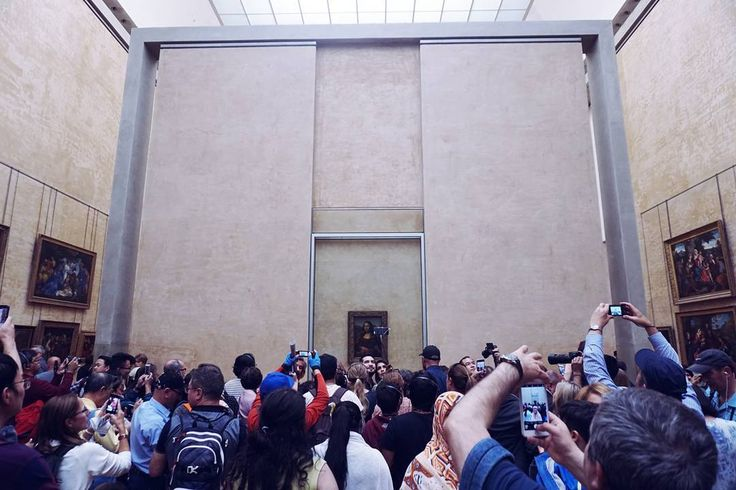 Many eyebrows were raised excluding hers . . #monalisa #louvre #noflashphotography #eurotrip #france
