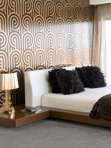 Dramatic florence broadhurst wallpaper beds pinterest for Dramatic beds
