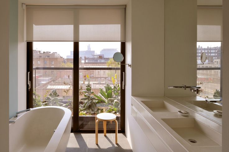 4910: Roller Blinds in an Appartment
