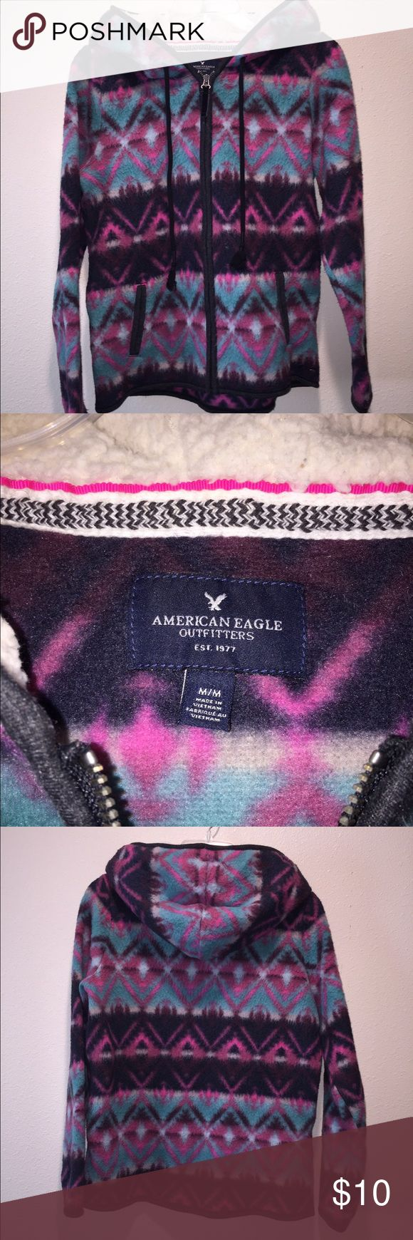 American Eagle Aztec Zip Up Medium Super cute! American Eagle women's Shurpa Lined Aztec Zip Up Sweatshirt Size Medium American Eagle Outfitters Jackets & Coats
