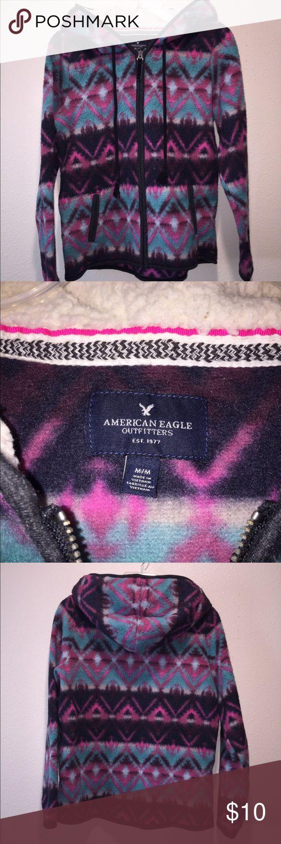 American Eagle Aztec Zip Up Medium Super cute! American Eagle women's Shurpa Lined Aztec Zip Up Sweatshirt Size Medium American Eagle Outfitters Jackets & Coats