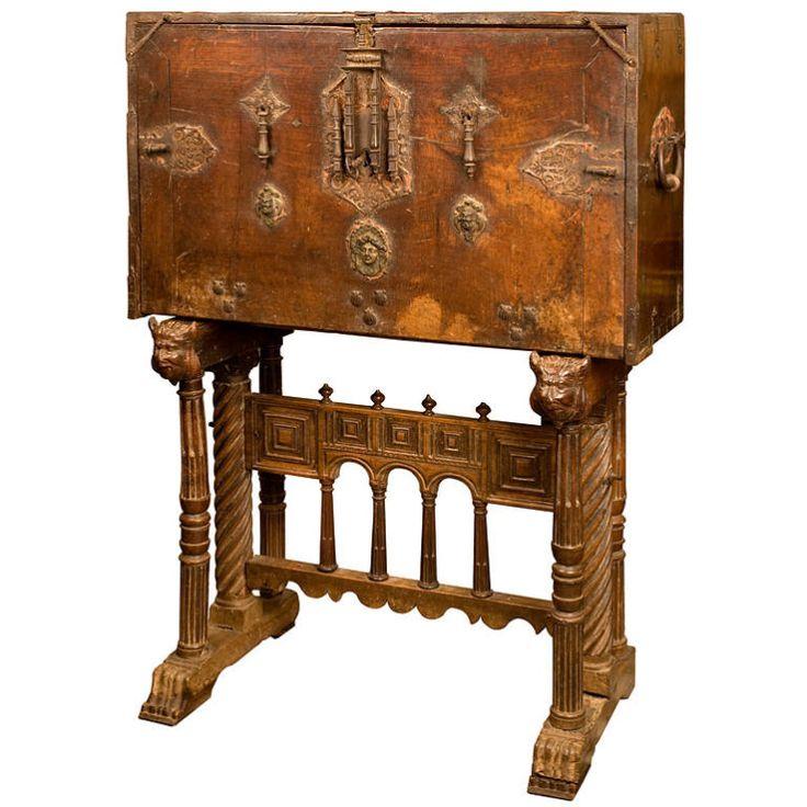 16th century spanish renaissance vargueno 16th century for Spanish baroque furniture