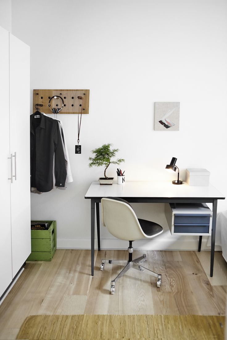 Nicki's room - Desk from Dutch vintage store - Roon & Rahn Moodboard 2X6 - Eames office chair - Rug from Danish company Rug Solid