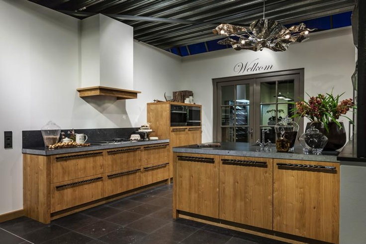 Keukens Met Miele Apparatuur : Personal Living Handgemaakte keuken met robuuste greep van