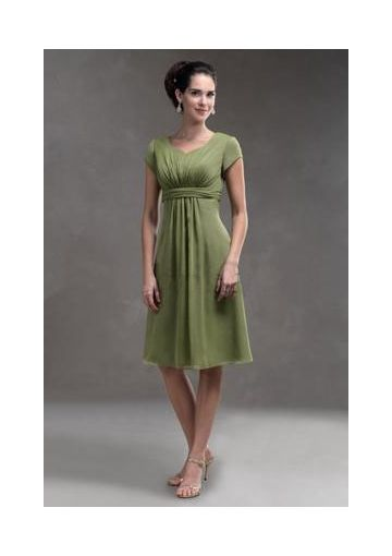 2012 A-line V-neck Short-sleeves Dark Green Chiffon Knee-length Temple Bridesmaid Dresses / Mother of The Bride Dresses DIB136022