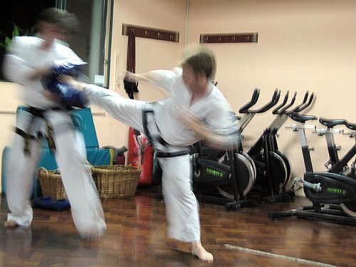 https://flic.kr/p/4zm5rg | Speed equals power #taekwondo #martialarts #santiagopinto #kick #blackbelt #태권도 #sidekick