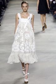 Chloe 2006  http://www.vogue.com/collections/s2006rtw/chloe/runway/