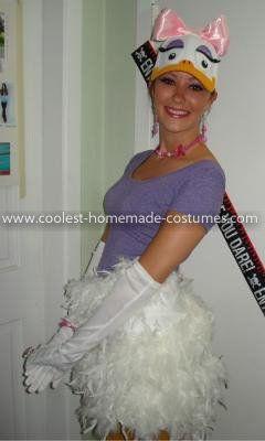 Aye Aye Eating Grub Cute Daisy Duck Costum...