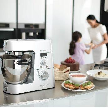 LE ROBOT TOUT EN UN : 15 FONCTIONS POUR UN SEUL APPAREIL ! Robot cuiseur très complet, le Cooking Chef vous aide à réaliser un nombre infini de préparations.