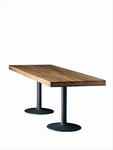 Fondation Le Corbusier - Mobilier - LC11-P - Table dalle de marbre posé sur piètement en fonte laquéeLe Corbusier, Pierre Jeanneret, Charlotte PerriandMeuble Le Corbusier adapté par Charlotte Perriand en 1984