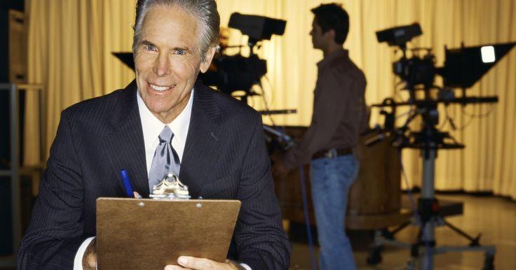 ¿Cuáles son los salarios de los presentadores de televisión?. Un presentador de noticias de televisión es quien da gran parte de la identidad a un noticiero. Al dar un cambio sutil entre segmentos grabados y reportes en vivo, presentados por periodistas que se encuentran en el lugar de los hechos, y leer noticias escritas para su difusión al aire; el flujo de un programa de noticias depende de las ...