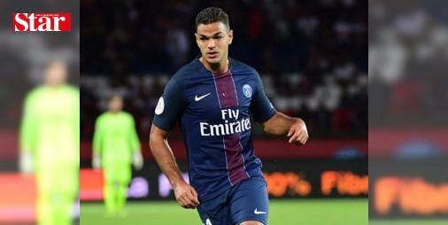 Hatem Ben Arfa, PAF takıma gönderildi!: Transfer döneminde ismi Türk takımları ile sıkça anılan Hatem Ben Arfa, Paris Saint-Germain tarafından PAF kadroya gönderildi.