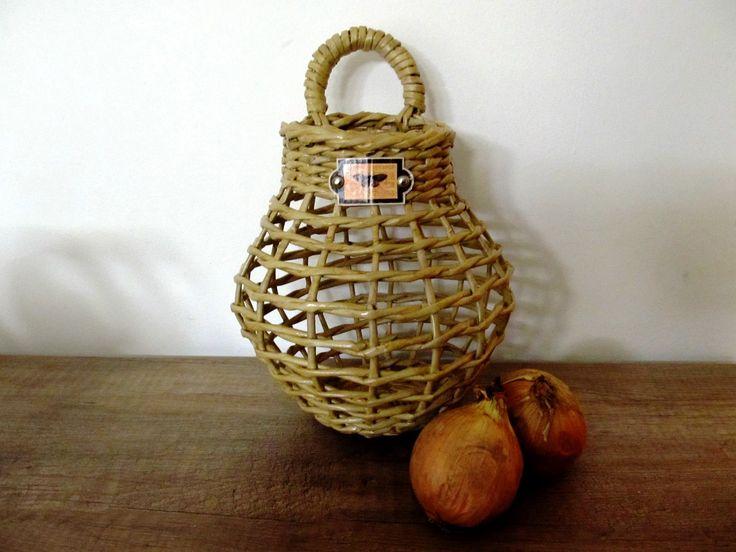 Košík na cibuli - pletený z papíru