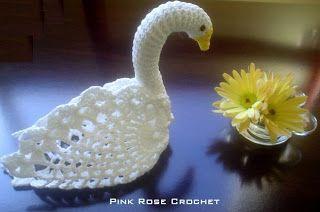 PINK ROSE CROCHET: Cisne Três Abacaxis