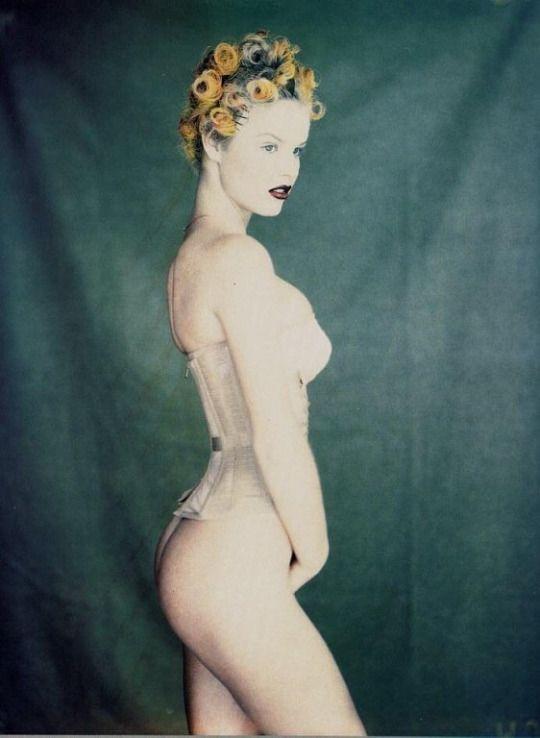 Glamour France, 1992 Photographer: Paolo Roversi Model: Eva Herzigová