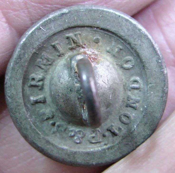 REAR VIEW OF1840-1844 ROYAL WELCH FUSILIERS UNIFORM PEWTER CUFF BUTTON P&S Firmin 18mm