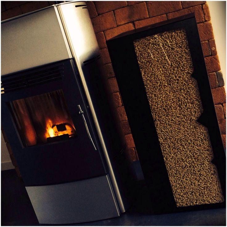 les 40 meilleures images du tableau deco po le sur pinterest chauffage bois poele granule et. Black Bedroom Furniture Sets. Home Design Ideas