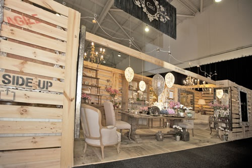 trade show - love the pallets