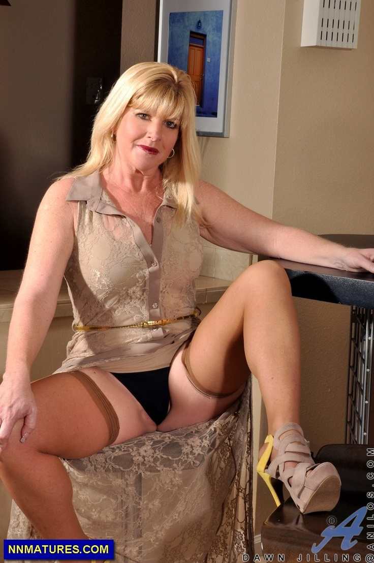 Mature milf neighbor-3691