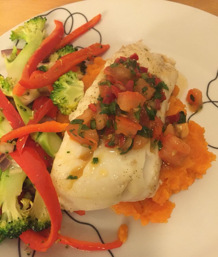 Cod with sweet potato, vegetables And salsa