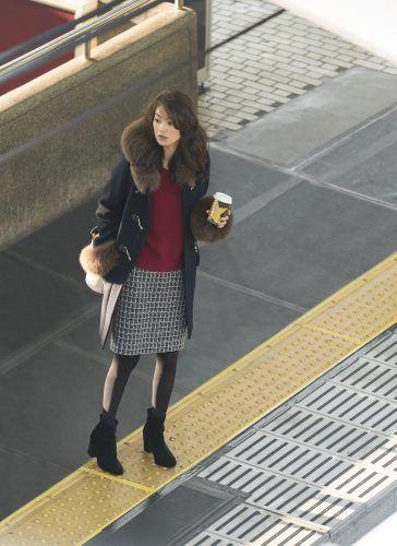 【11月15日】スケジュールを詰め込んだ忙しい日に限って、電車が遅延なんて。午後イチの部内会議の資料もまとめないといけないし、焦る~!【1週間コーディネート】 | CanCam.jp(キャンキャン)
