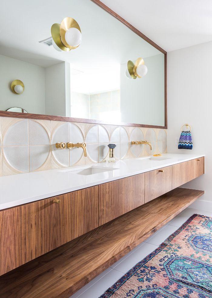 We 39 re speechless step inside the 3700 square foot home - Discount bathroom vanities los angeles ...